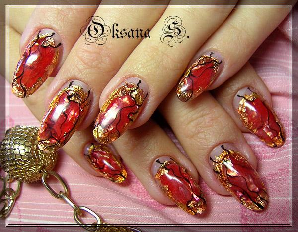 Красный маникюр на нарощенных ногтях фото